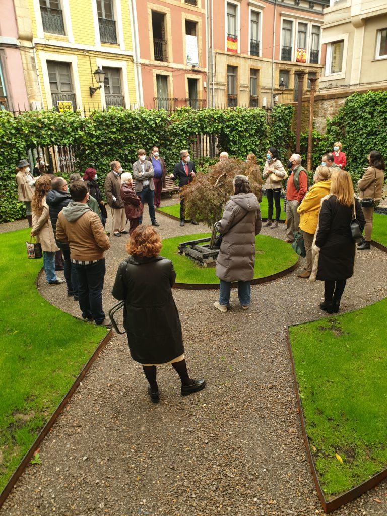 amigos-museo-bellas-artes-visita-palacio-velarde-03